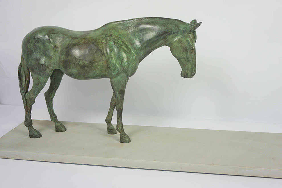 bronze thoroughbred racehorse